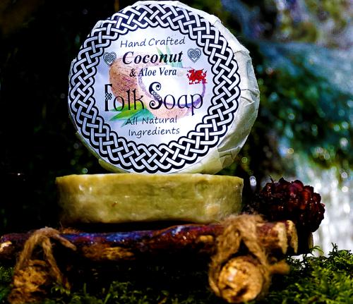 coconut and aloe vera Shampoo Bar