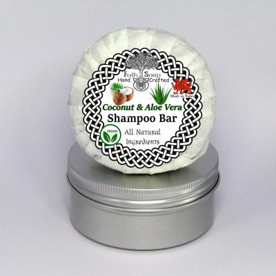 Folk Soap Coconut and Aloe Vera Shampoo Bar in Travel Tin