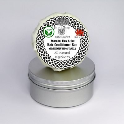 Folk Soap Sandalwood and Vanilla Conditioner Bar in Travel Tin